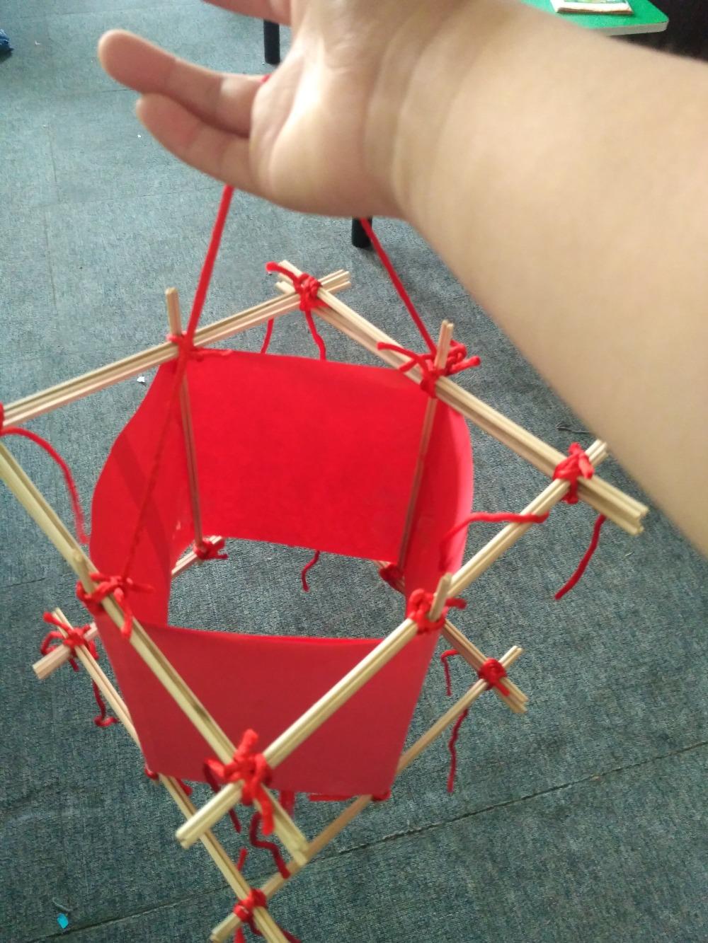 中秋节亲子共同制作灯笼