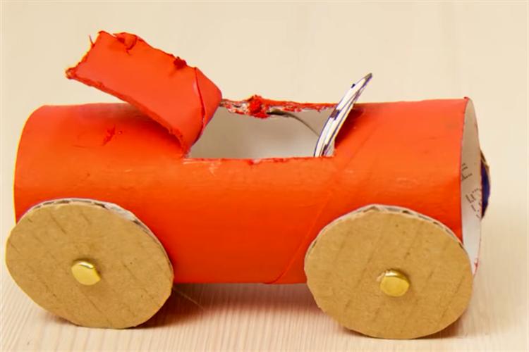 幼兒園手工:環保呠呠車
